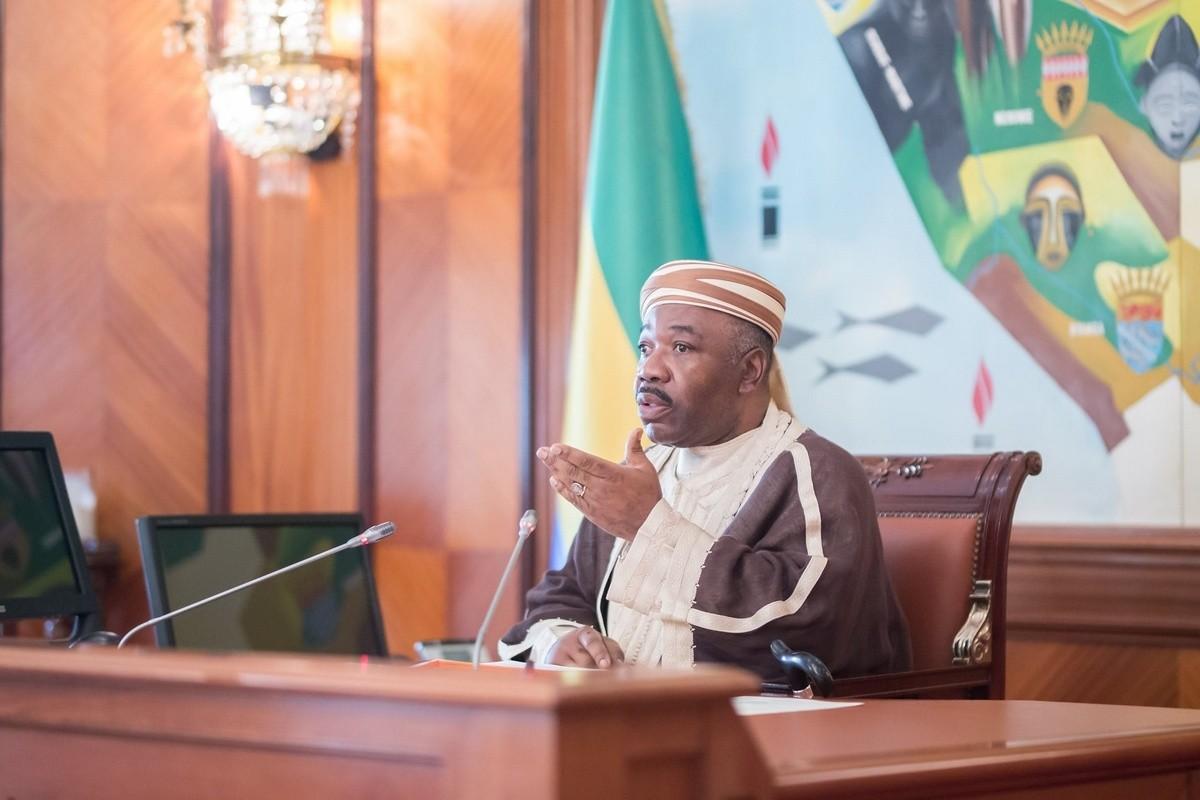 Covid-19 : Ali Bongo a présidé jeudi un conseil des ministres par visioconférence