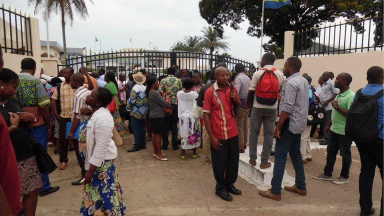 Le Gabon menace de radier 14 000 fonctionnaires